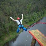 Passer un petit séjour de saut à l'élastique en France