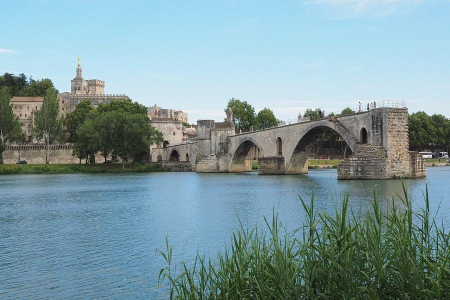 Comment réussir son voyage à Avignon ?