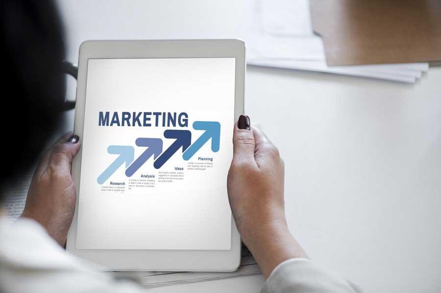 Guide pratique pour devenir chargé de promotion et de marketing sportif